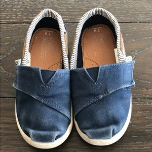 Toddler toms size 9